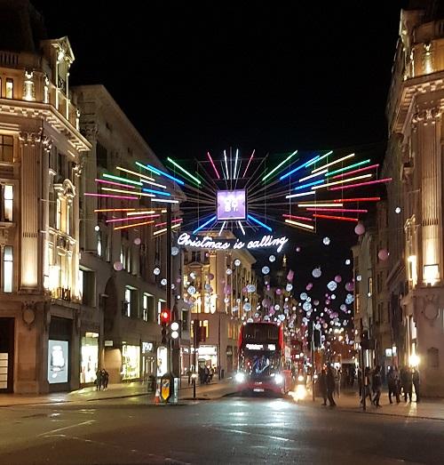 Decorazioni Natalizie Londra 2019.Londra Si Illumina A Festa Per L Arrivo Di Natale